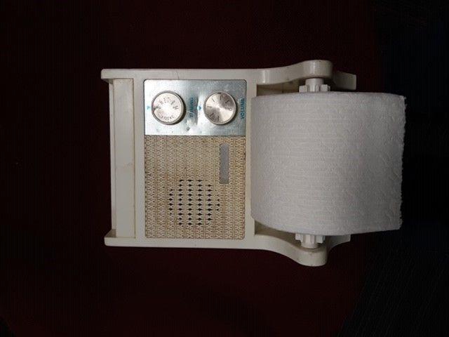 toiletRadio